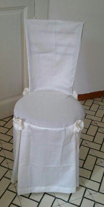 Copri sedia per eventi realizzata in raso completa di rose for Accessori per la casa economici