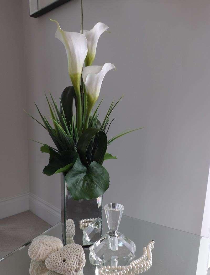 Calla Lily In Tall Mirror Cube Rtfact Artificial Silk