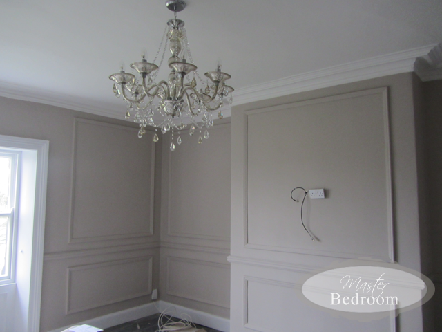 Populair Farrow and Ball Elephants Breath Bedroom. Now how can you not like &LP51