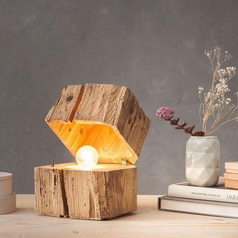 Massive Blockleuchte Aus Holz Mit Einzigartigem Licht Leuchten