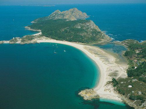 La Playa de Rodas, en las Islas Cíes, aparece en el año 2015 en la lista de las 10 playas más espectaculares de Europa.  #Rodas #PlayadeRodas #Cíes #IslasCíes #Galicia #Vigo