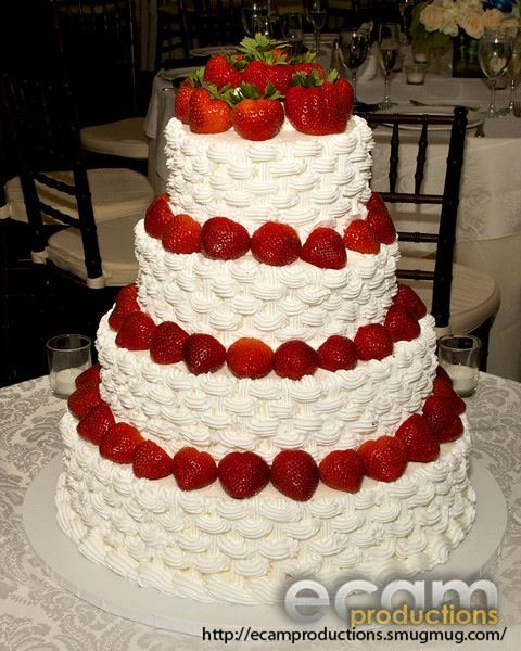 wedding cake with strawberry filling recipe strawberry shortcake wedding cake casual wednesday 26968