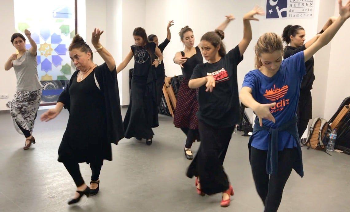 La Fundación Cristina Heeren Abre La Inscripción De Los Talleres De Flamenco 2018 2019 En Cante Baile Y Guitarra Carmelilla Montoya Baile Flamenco Cantando