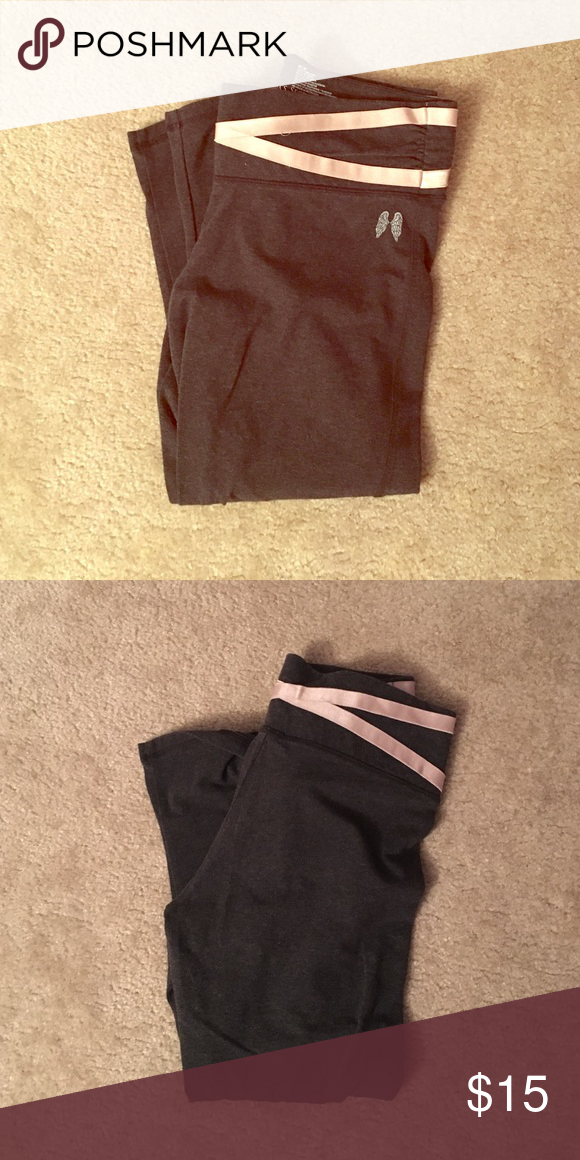 Victoria's Secret cropped leggings Grey (with pink ribbon along top and bottom) leggings from Victoria's Secret. In good condition, no stains or holes Victoria's Secret Pants Leggings