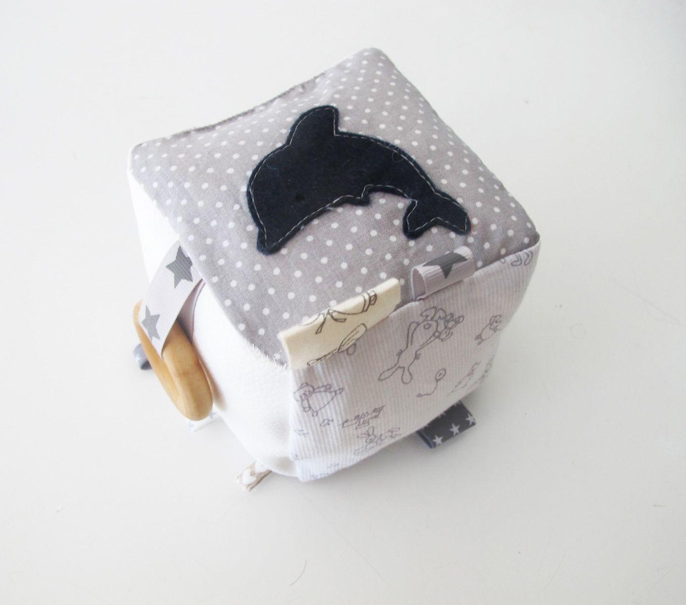 Top Cube d'éveil Montessori, différentes matières et touchers, tissus  PF49