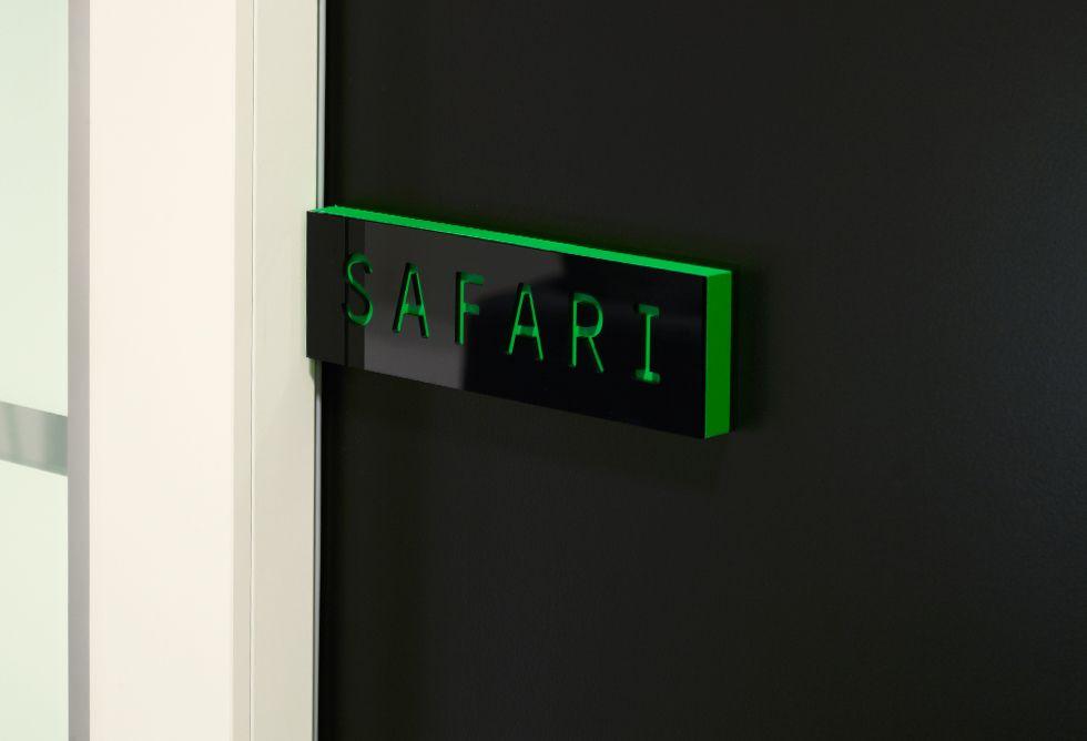 Metronet kontoret - Velkommen til møterom Safari!    Design: Torgeir Hjetland  Bilde: Mathias Fossum