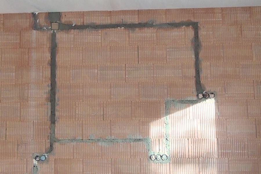 Elektroinstallation In Der Kuche Selber Machen Leerrohre Verlegen Und Steckdosen Setzen Elektroinstallation Elektro Und Steckdosen