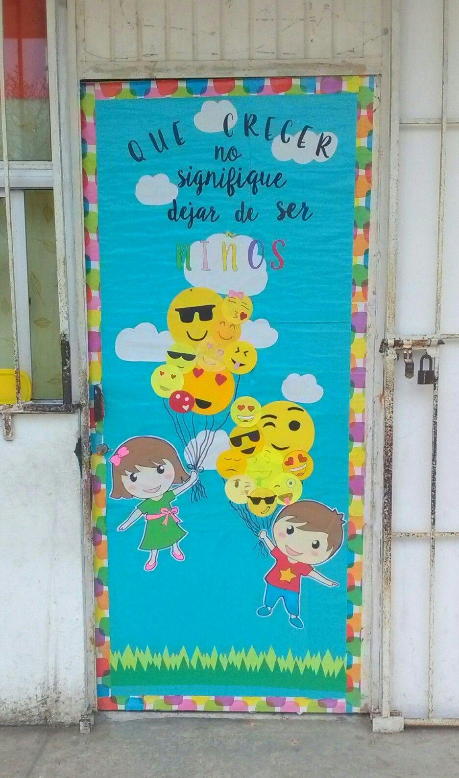 D a del ni o emoji educaci n classroom door school for Puertas decoradas para el dia del libro