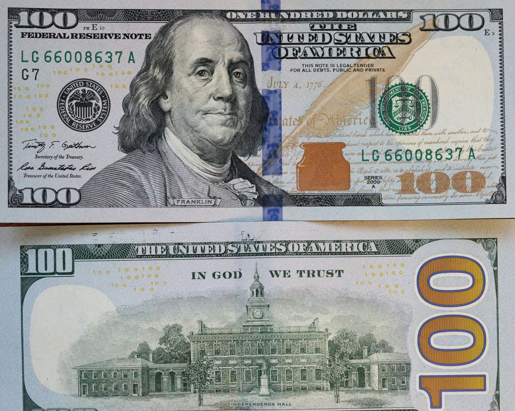The New Vs The Old American 100 Dollar Bill 100 Dollar Bill Fake Dollar Bill Fake Money
