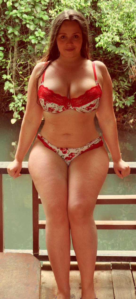 Viktoria Manas sexy girl bbw plump Chubby fashion plus size curvy