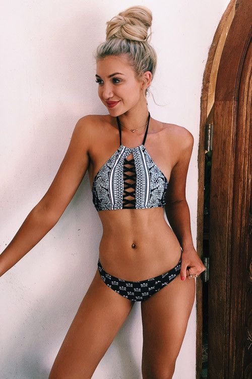 dbd0ccfbf12ea Cupshe Sight and Sounds Lace Up Bikini Set