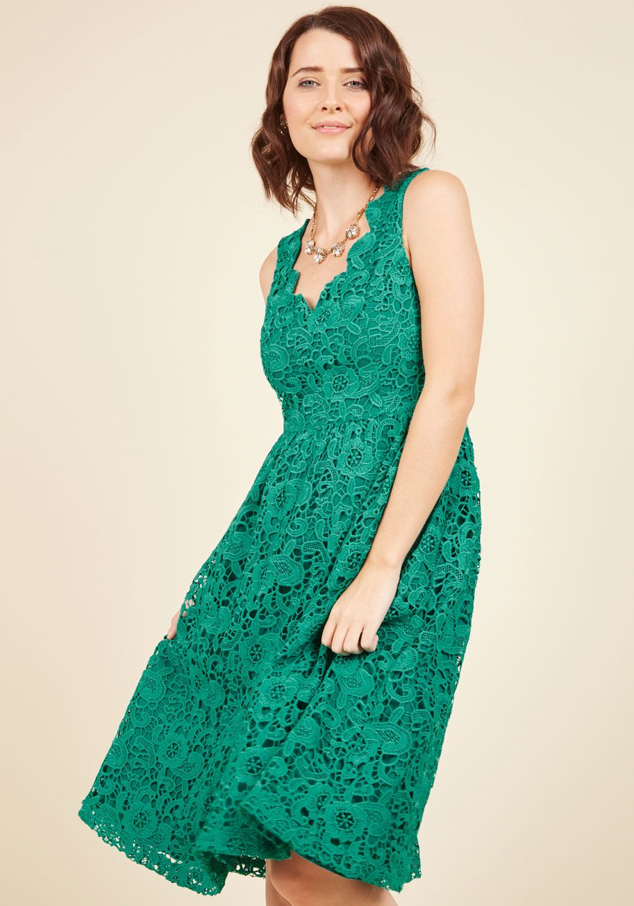 Chi chi london exquisite elegance lace dress in lake green midi