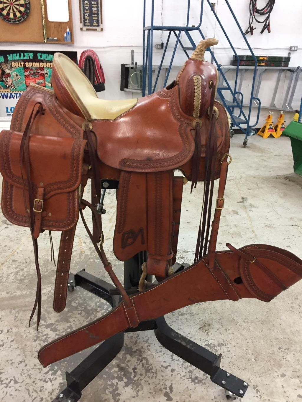 Western Saddle Package Custom P Banzet For Sale In Alberta 16 Inch Custom Made Paul Banzet Sadd Saddle Bags Horse Western Saddles For Sale Saddles For Sale
