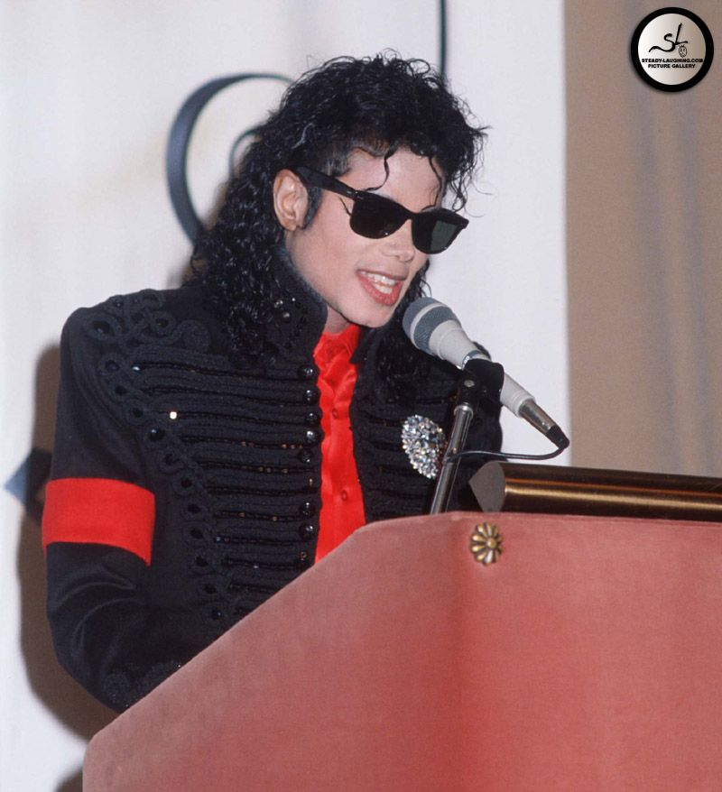 Michael Jackson  Honored By CBS
