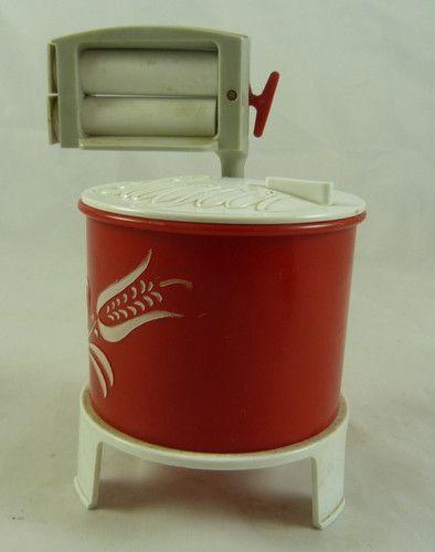 Vintage Kitschy Salt Pepper Sugar Set Wringer Washing Machine 1950s Mid Century Kitchen Farmhouse Kitchen Red /& White Vintage Gift