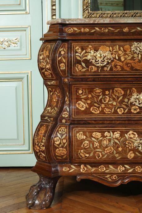 Commode Hollandaise Marquetee De Fleurs Antique French Furniture Antique Furniture For Sale Elegant Furniture