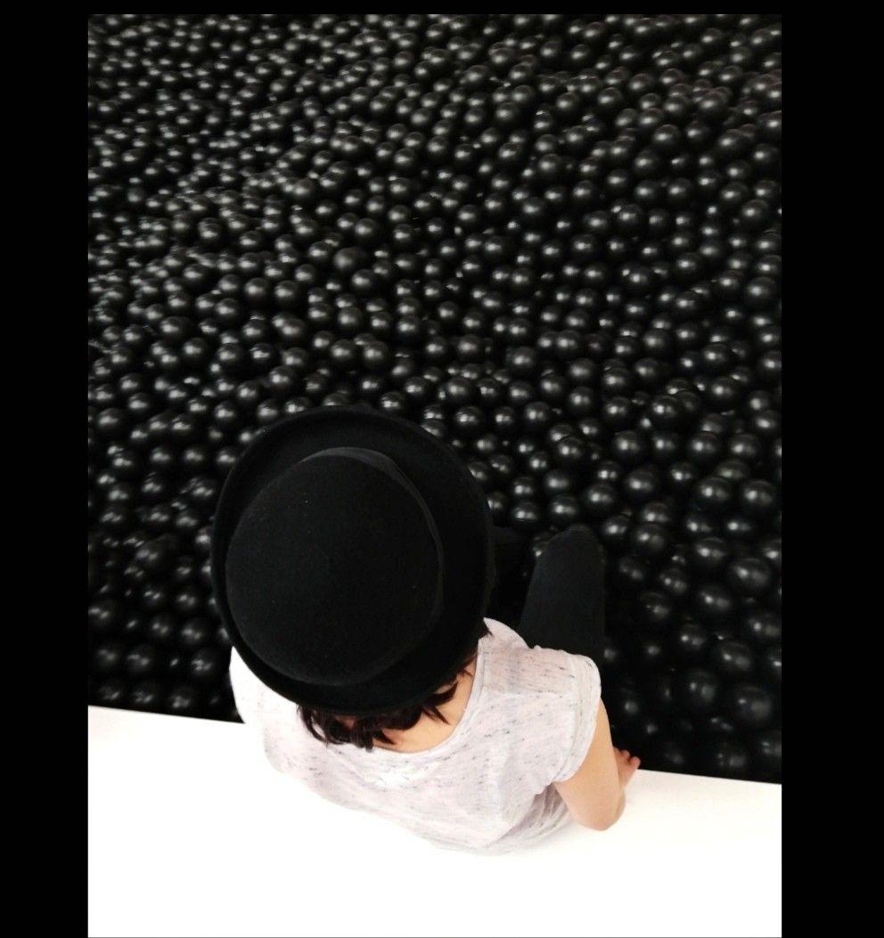Black balls, shoot, girlshoot ,style