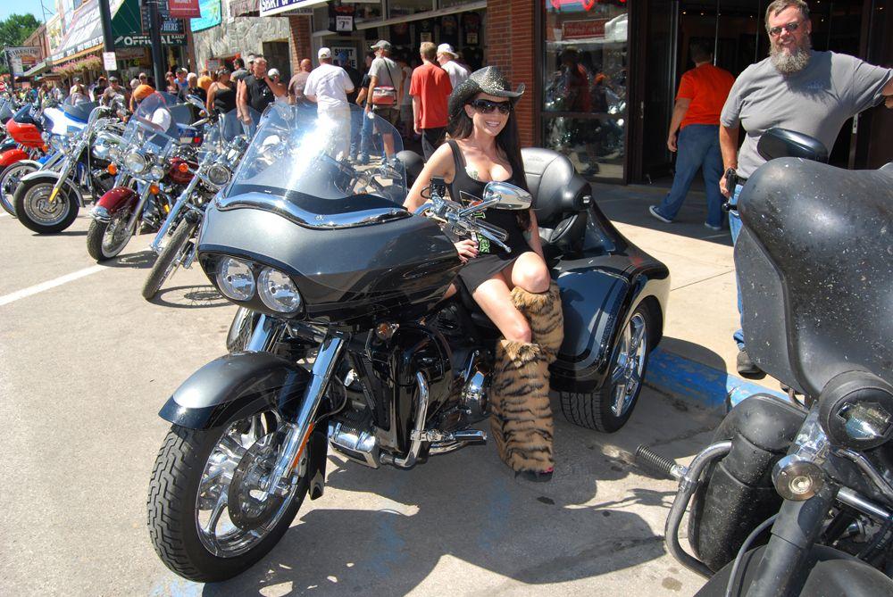 Bikini Biker Girls Riding a Harley Trike at Buffalo Chip ...