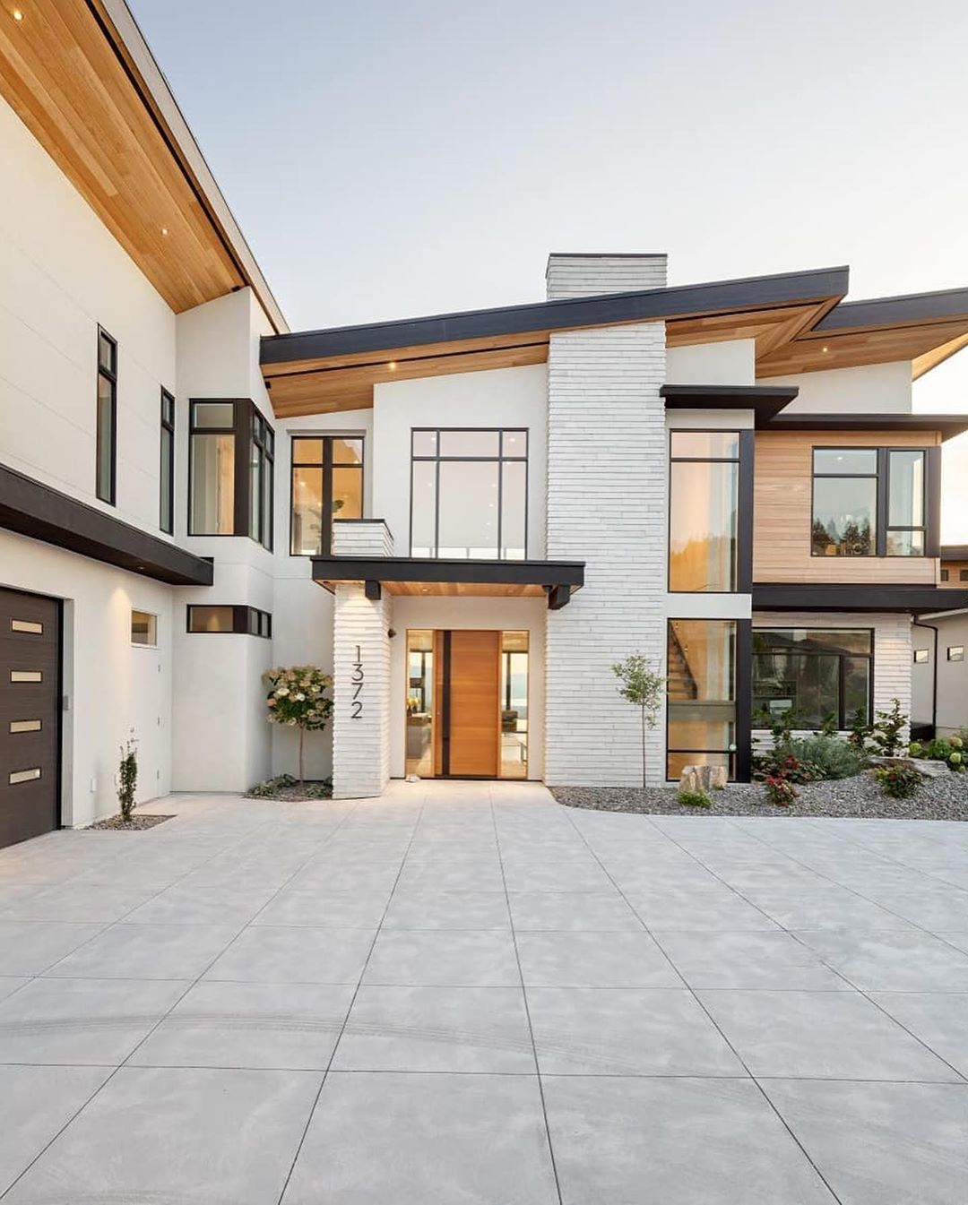 Yes Or No On This Modern Build This One Is Pretty Awesome Loving The Elevation And Modern Lines Bu In 2020 House Styles House Exterior Dream House Decor