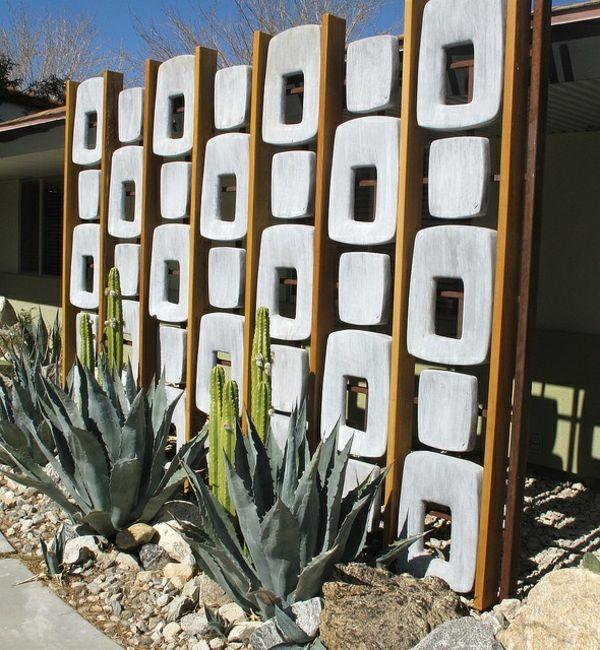 Beton Mauer Holz Elemente skulptural Garten Pinterest - sichtschutz beton selber machen