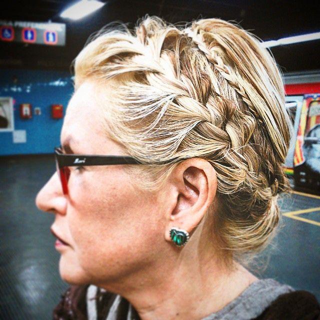 Trenzado a lo griego y mechas!!! #hechopormi 🌹💇💎 . 👉Necesitas un look como este⤴ 📲 Llámame al 04267120686 💌 Escríbeme a gavadiarmakeup@gmail.com . 💙💛💚 #yotepeino #yotemaquillo #maquillajeypeinado #trenzas #crineja #clineja #hairdo #hairlights #hair #hairandmakeup #updo #braids #braidedupdo #peinados #peinadodenovia #peinadotrenza #cabello #blonde #latinwoman #latina #beautifulwoman #perfecthairday #hairstyle #braidedhairstyle #peinadospanama #peinadoscaracas #estilismopanama…