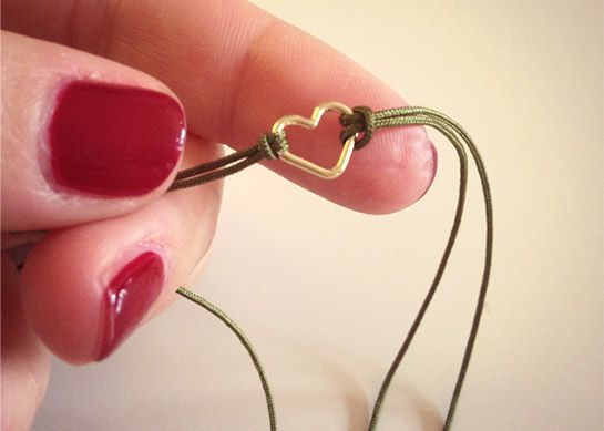 Armband basteln  Armband Mit Herz-Anhänger   DIY LOVE   jewelry ideas   Pinterest ...