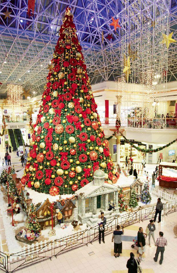 Wafi Mall Dubai Holiday Decor Christmas Tree Christmas