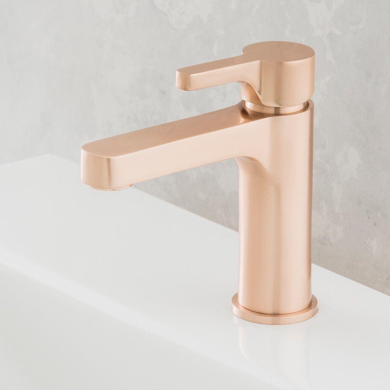 rogerseller arq basin mixer rose copper rogerseller copper the elegant arq basin mixer by rogerseller is a fusion between soft radius and clean lines a simple and understated design suitable for all bathroom