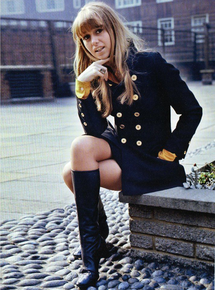 Susan George in the early 70's, that outfit would still be fabulous today!