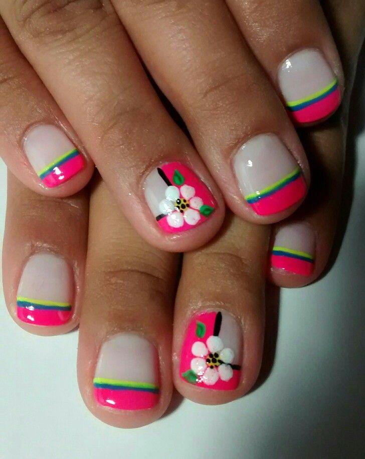 uñas cortas frances fucsia flores blancas | Uñas diseños flores ...