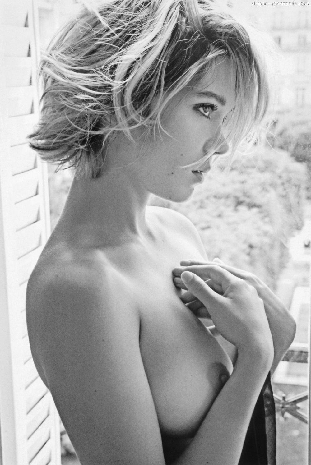 Hot naked amature anal