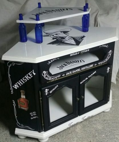 superbe meuble bar d 039 angle jack daniel 039 s meuble bar jack daniel 39 s pinterest. Black Bedroom Furniture Sets. Home Design Ideas