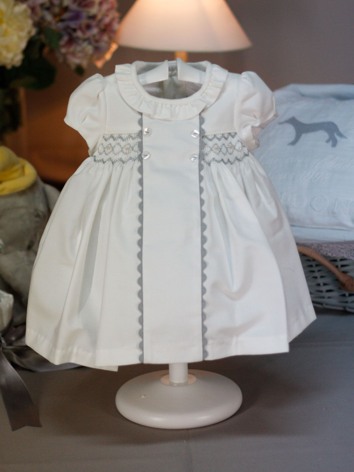 Vestido blanco punto smock