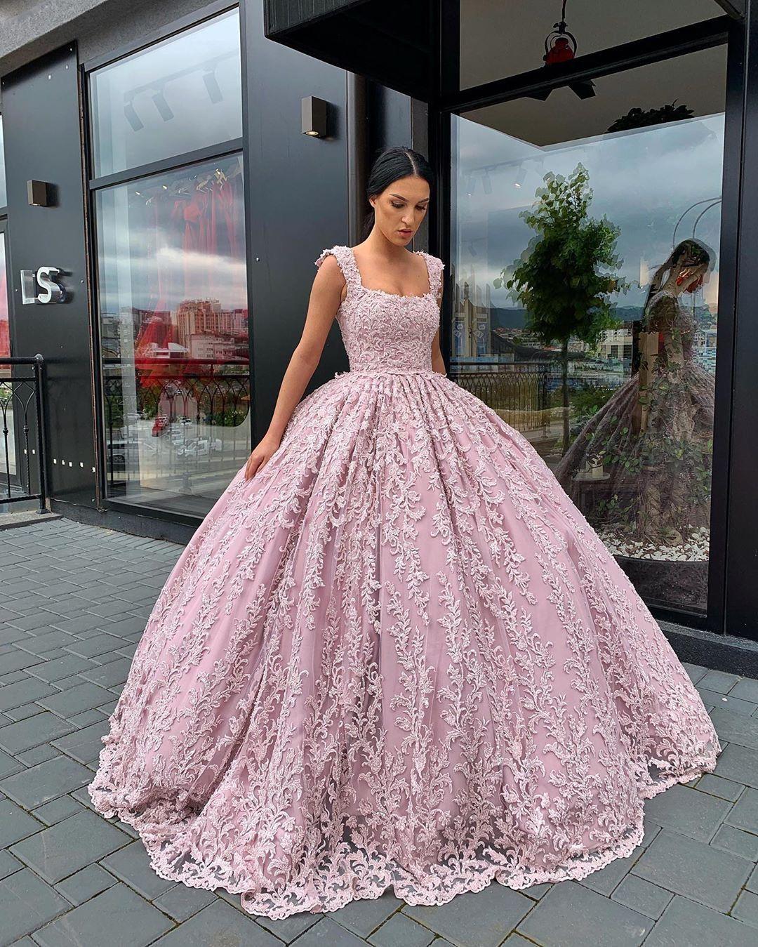 pin von stasy🖤 auf • dresses • | abschlussball kleider