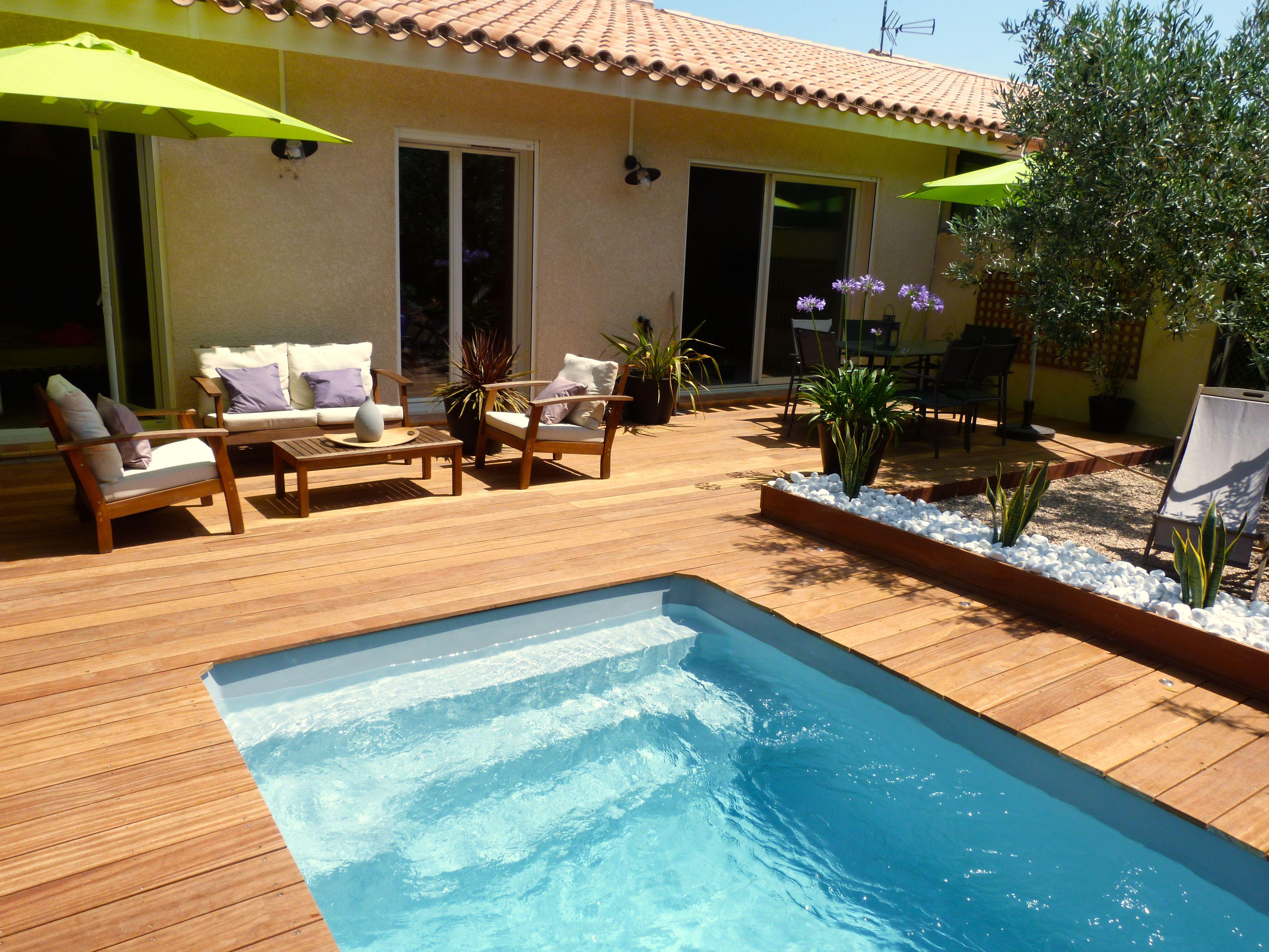 piscine coque giens (génération piscine) et terrasse en bois cumaru