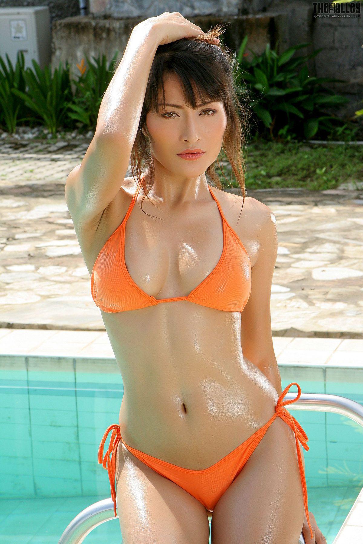 E Asian Kaila Wang