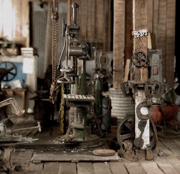 Railroad Line Forums: Large Scale Machine Shop Photo