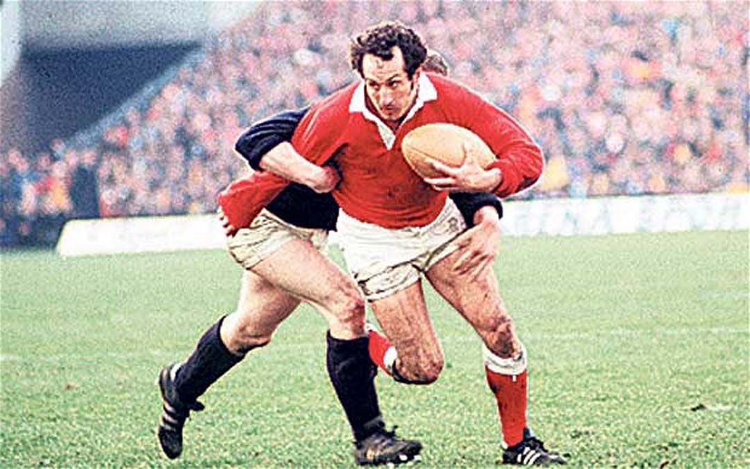 Wales Gareth Edwards Still The Best Scrum Half In The World Best Rugby Player Wales Rugby Team Welsh Rugby Team