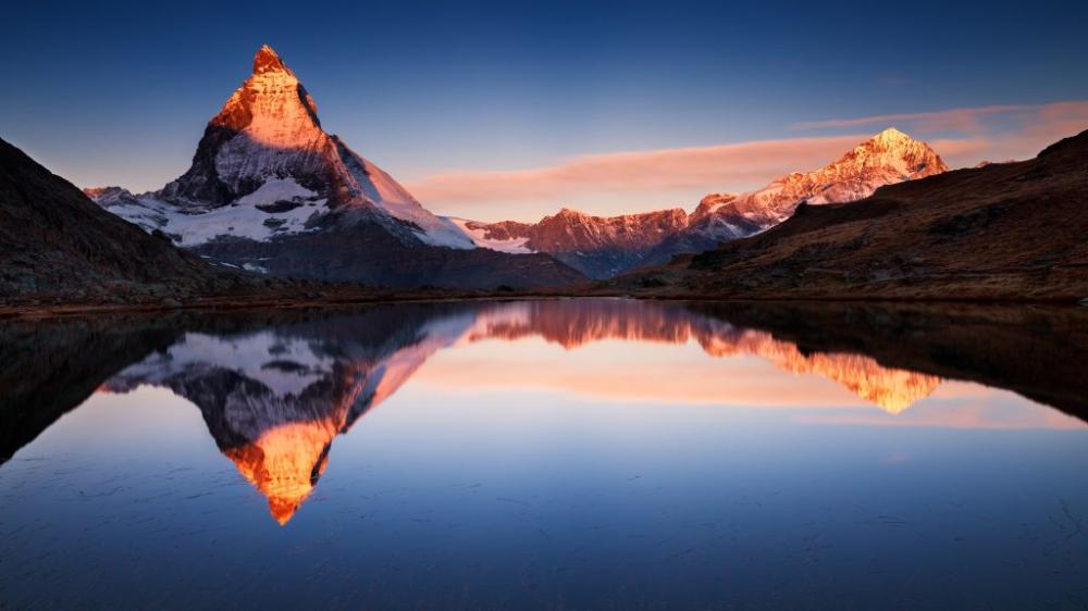 Montañas Y Sus Reflejos En 4k Fotosdelanaturaleza Es Fondo De Pantalla Laptop Fondo De Pantalla Mac Fondo De Pantalla De Manzana