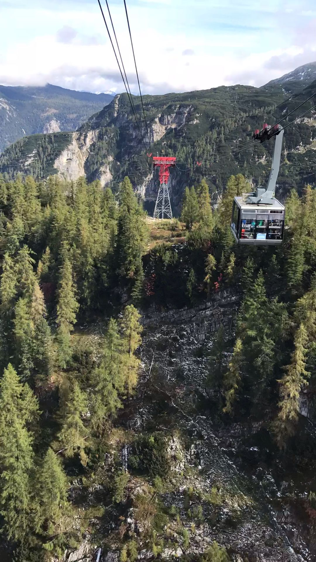 Cable car ride up the Dachstein Austrian Alps to the Five Fingers Outlook above Hallstatt Austria #Dachstein #AustrianAlps #FiveFingers #HallstattAustria