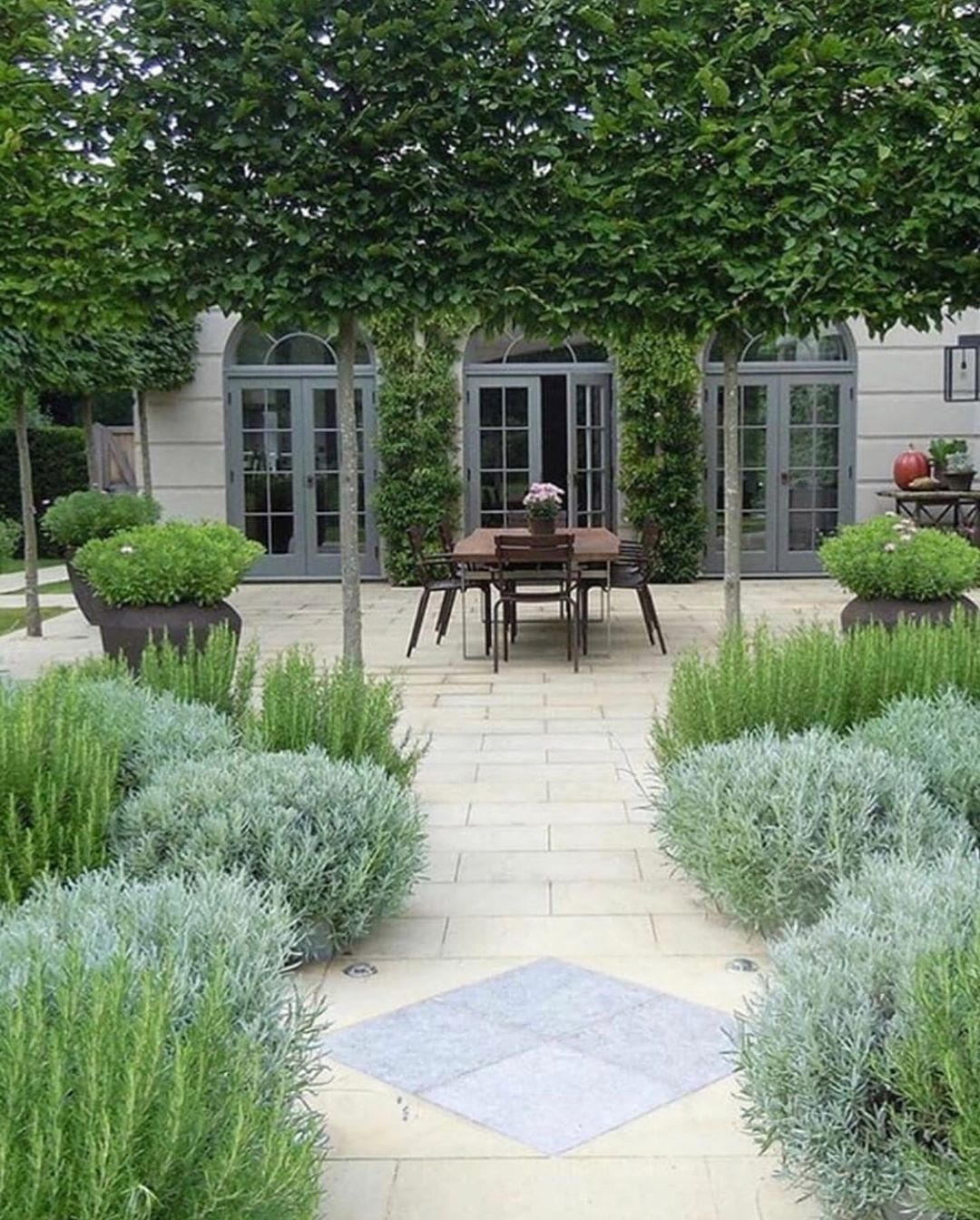 Socal Landscape Design On Instagram Lovely Inspiration From Gardens And Architecture A Stunn Formal Garden Design Garden Design Large Backyard Landscaping