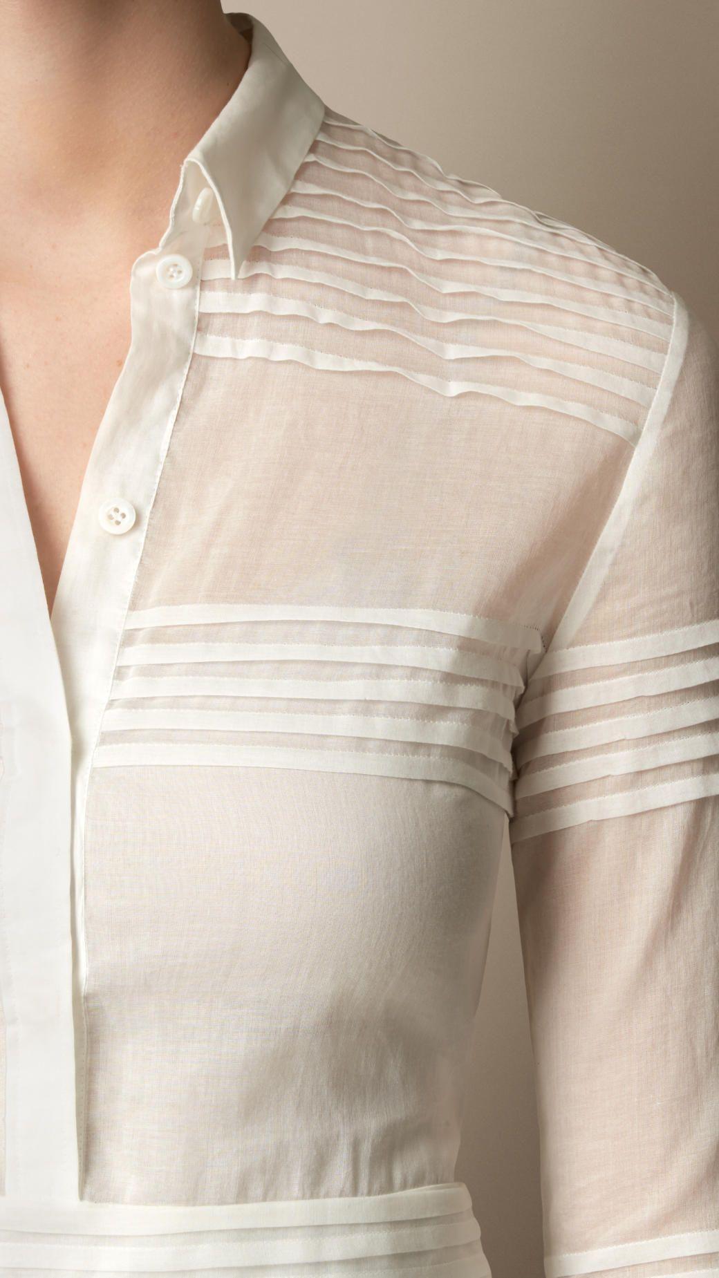 Robe chemise en coton et en soie ornée de plis   Silk shirt