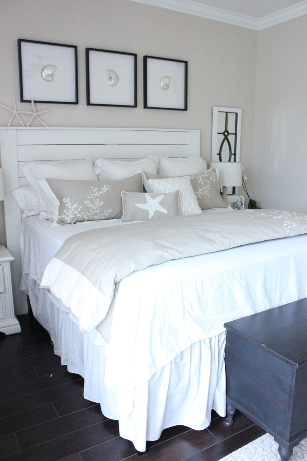A Coastal Style Bedroom Makeover with Caron's Beach House #beachcottagestyle