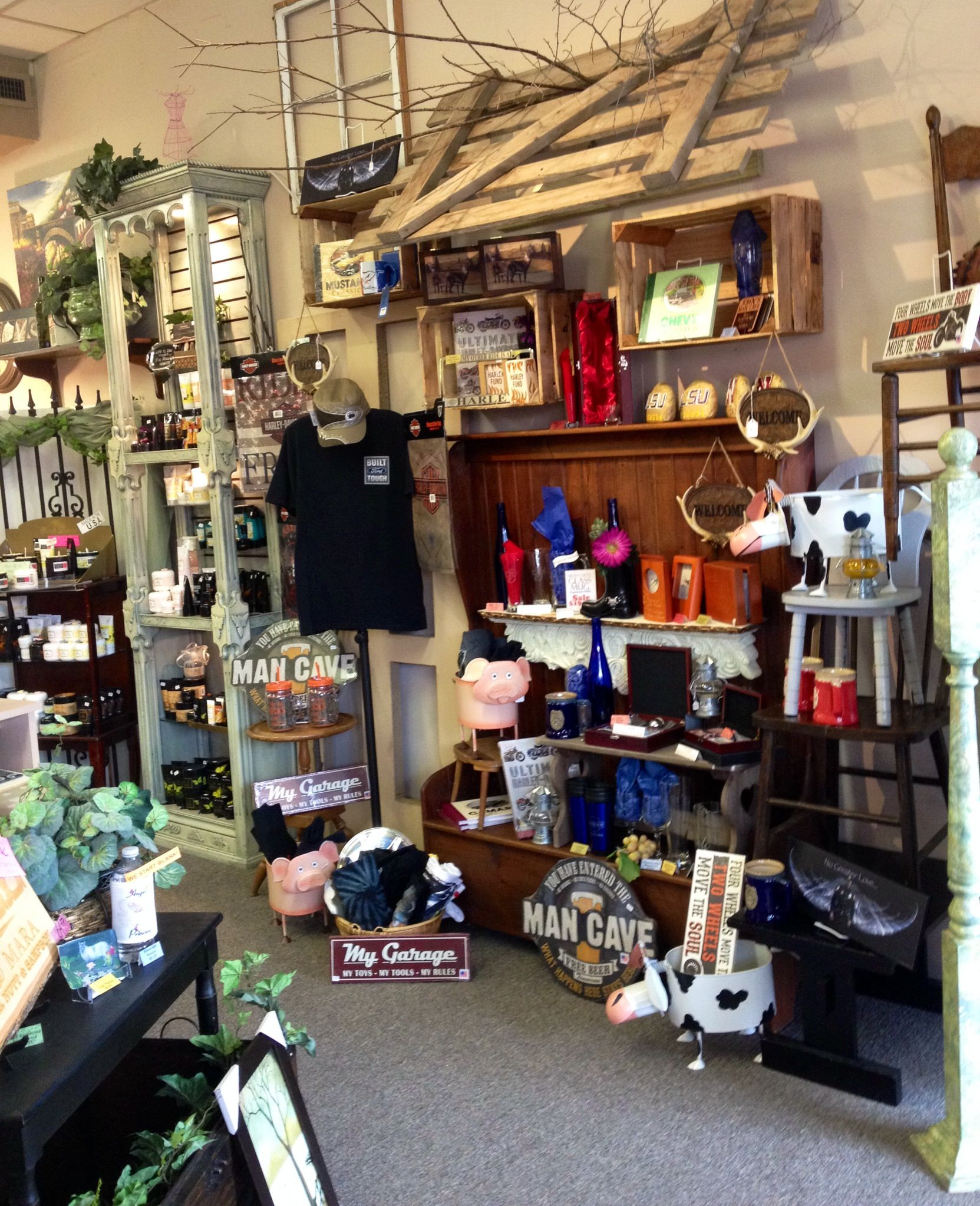 Visual Merchandising and gift shop retail displays ...