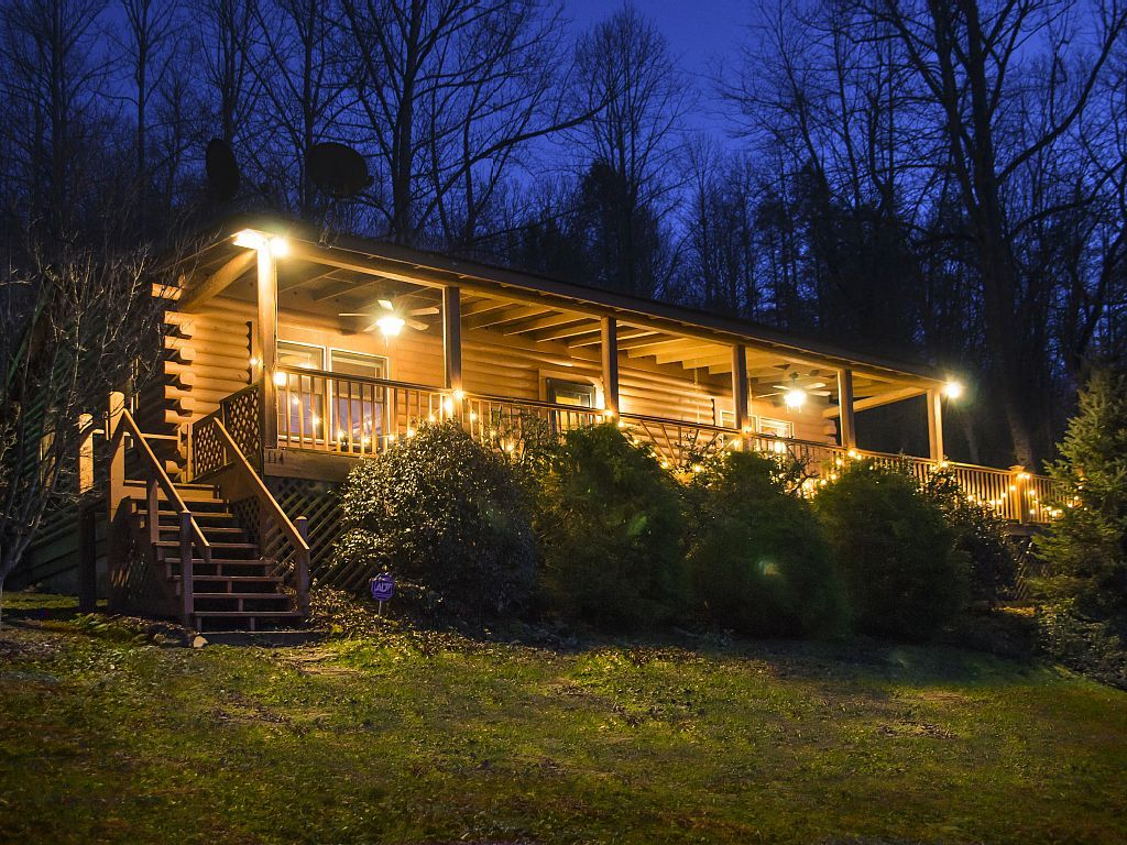 NEW LISTING!! For reviews, see our other cabin in