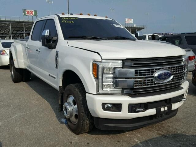 Salvage 2017 Ford F350 Platinum Pickup For Flood Le