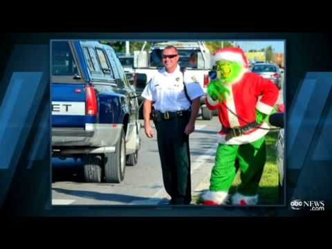 ▶ 'Grinch' Targets Speeding Drivers - YouTube