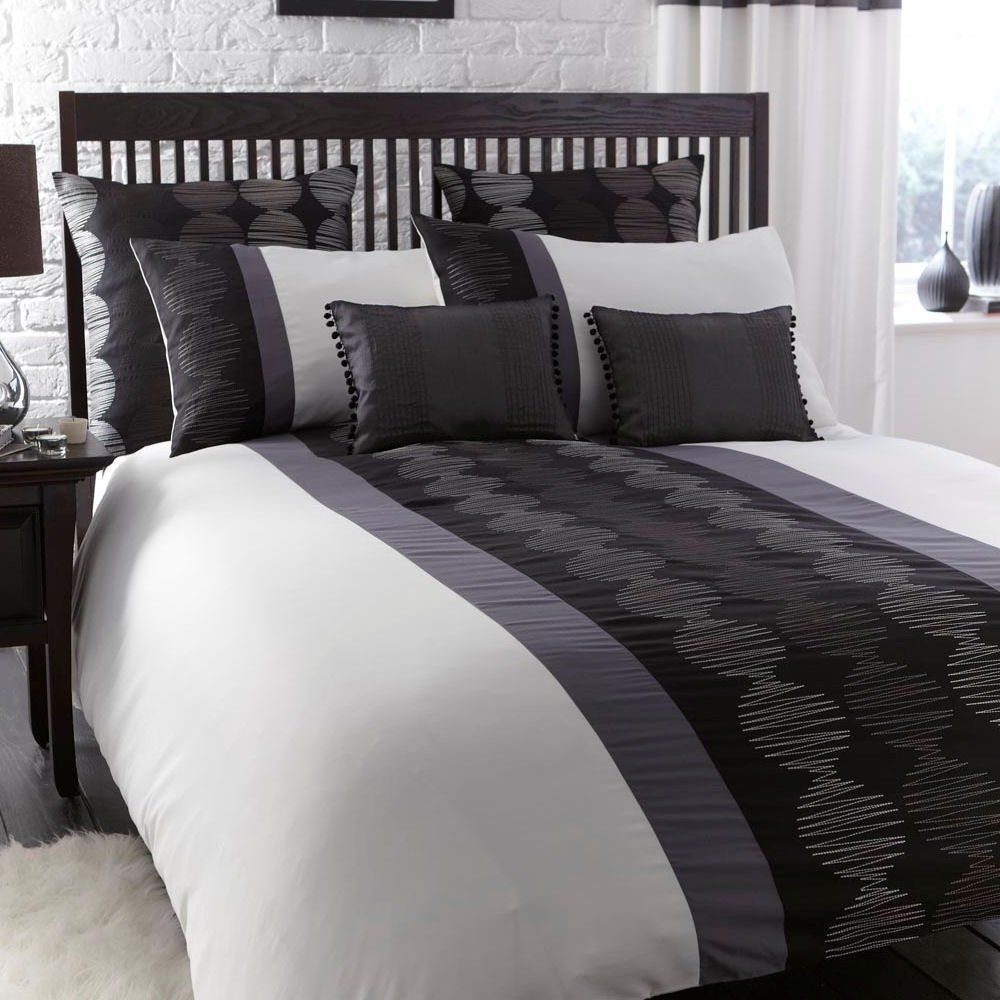 Best Orbit Black White Grey Modern Embroidered Single Duvet 640 x 480