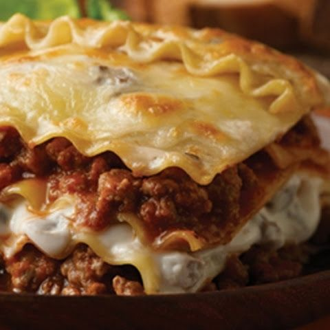 Easy beef lasagna dinner pinterest shredded beef meat sauce you can feed up to six people with this hearty lasagna recipe featuring ground beef in a creamy mushroom sauce layered with pasta cheese and italian tomato forumfinder Images