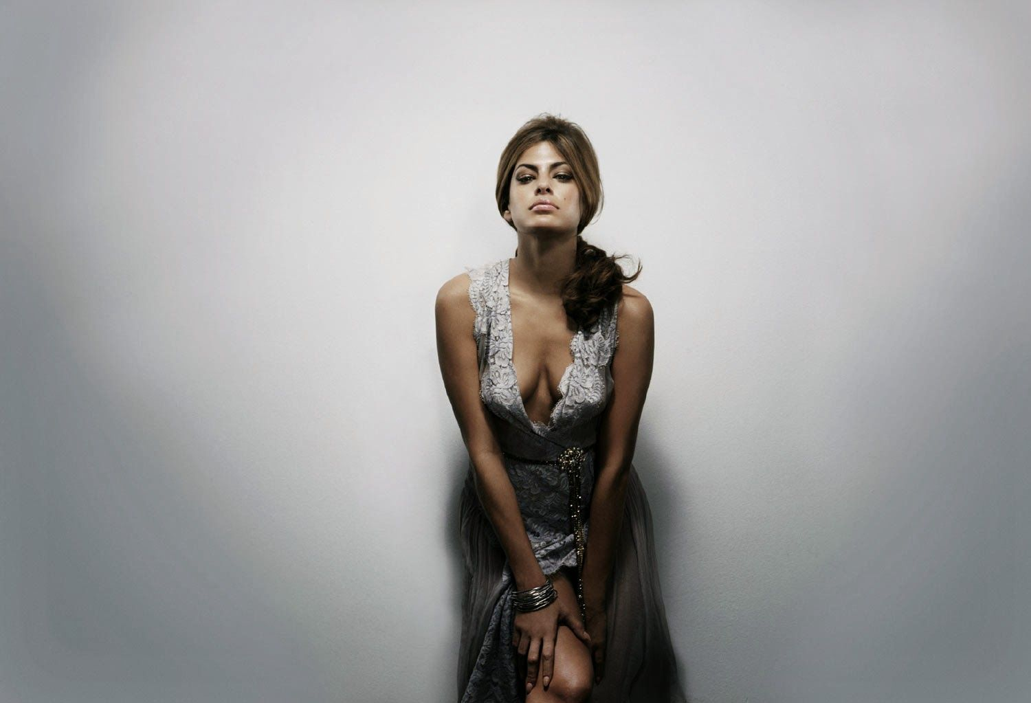 Cleavage Eva Mendes nude (82 photos), Sexy, Cleavage, Feet, lingerie 2006